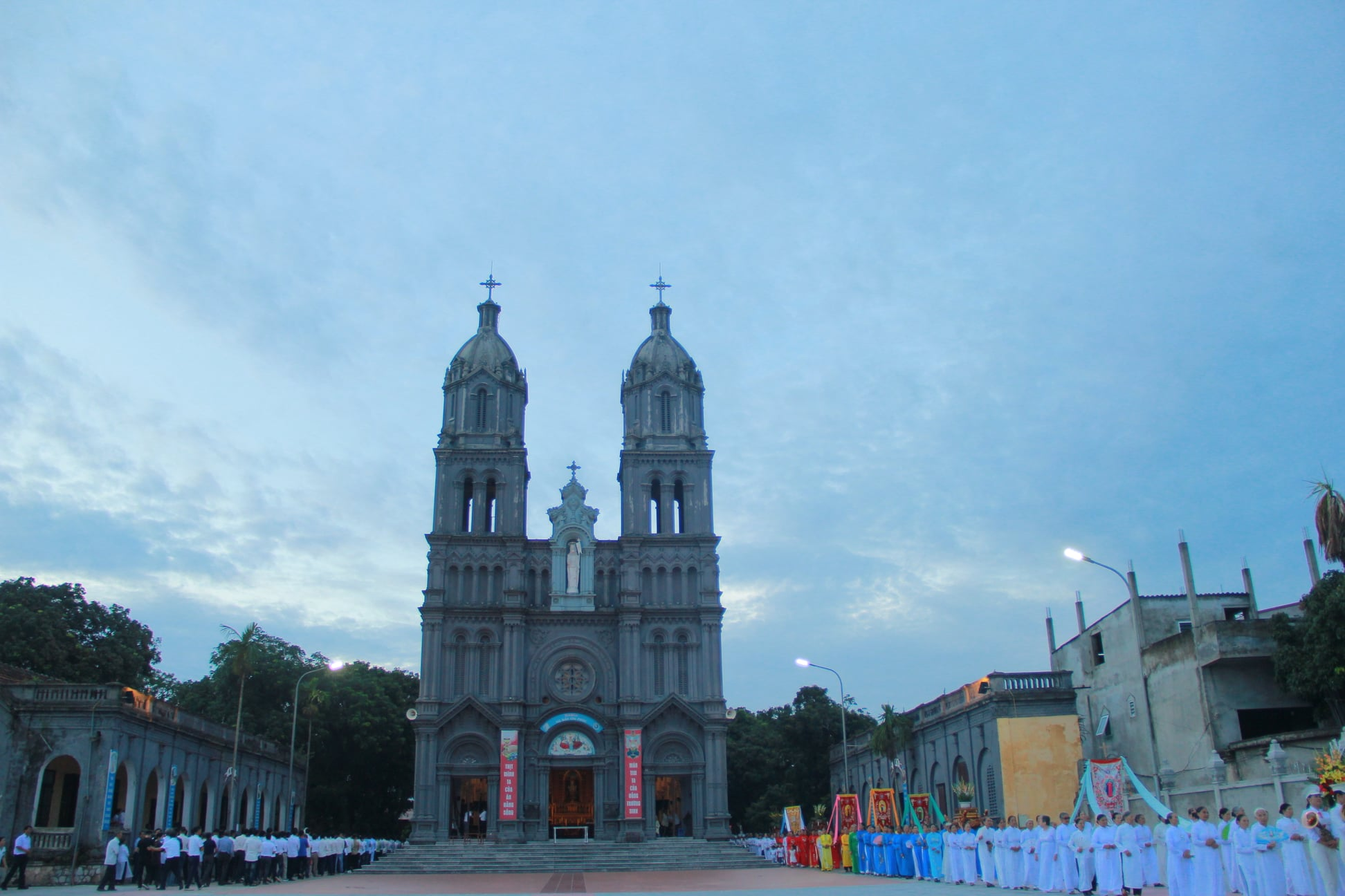 Nhà thờ Bút Đông (Trác Bút)